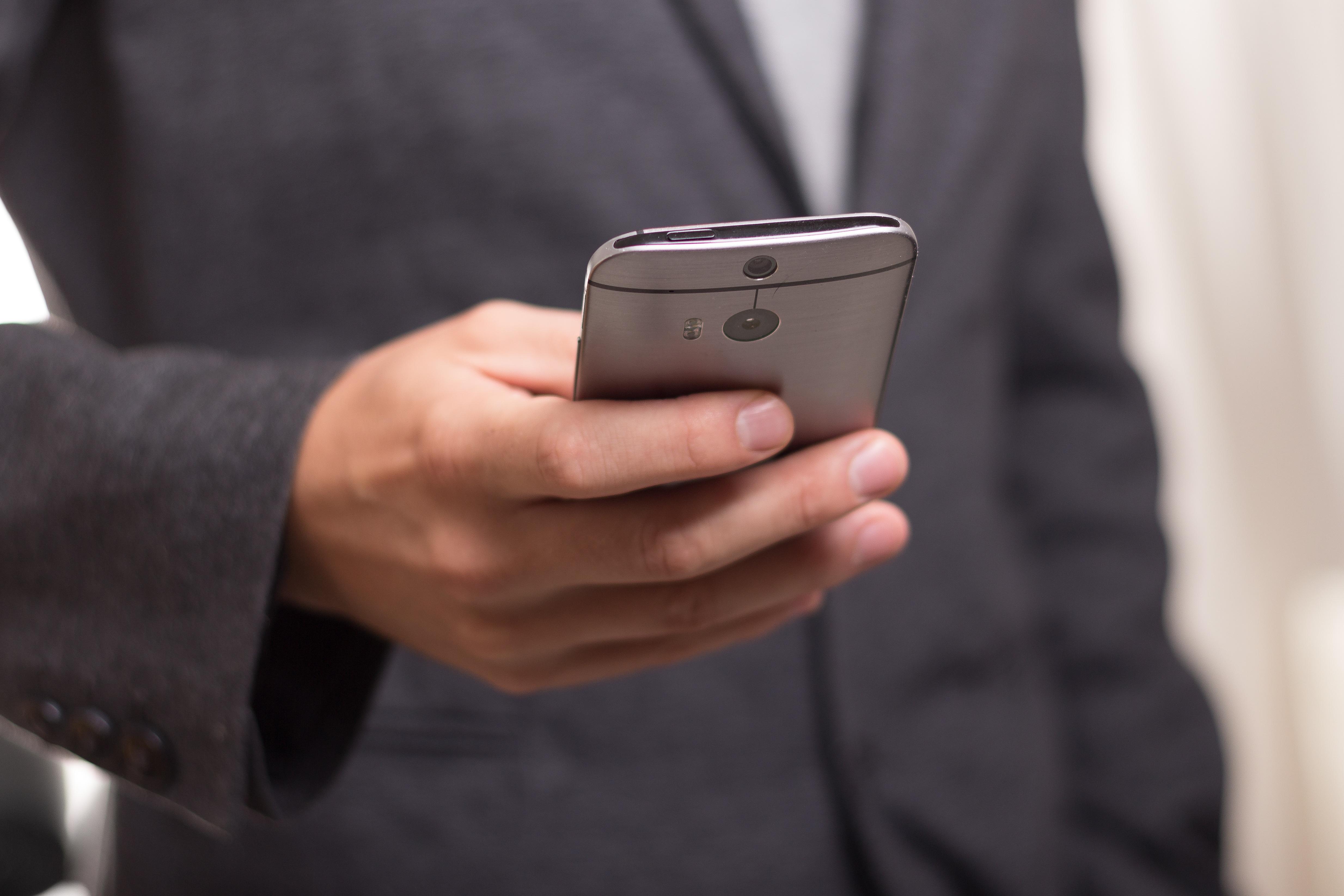 Smartphone consommateur connecte